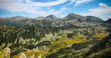 """Peisaje """"rupte din Rai"""" în zonele montane din județul Hunedoara"""