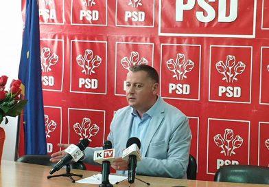 """Resmeriță: """"Roșu schimbă sacouri pentru poze cu ministrul"""""""