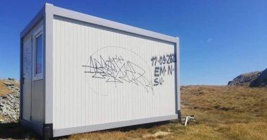 Refugiul montan din Parâng, vandalizat la o săptămână de la instalare