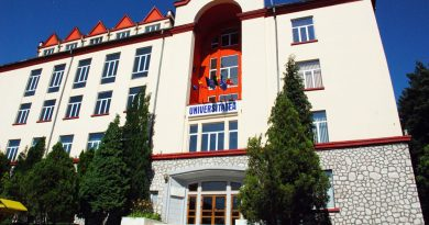 Universitatea din Petrosani a ales decanii
