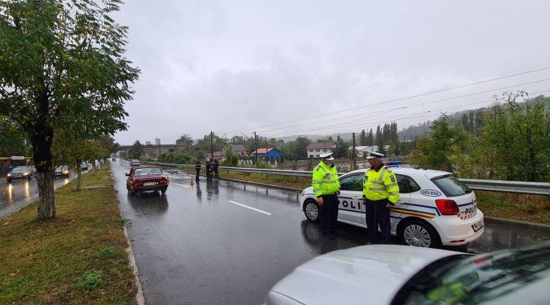 DN 66  la ieşirea din municipiul Petroşani s-a surpat pe circa 20 de metri. Circulatie restrictionata