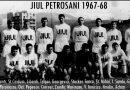 """Remember. În urmă cu 53 de ani, la 1 martie 1968,  când Petroșani-ul devenea municipiu /  JIUL PEROȘANI OCUPA UN LOC LA MIJLOCUL CLASAMENTULUI DIVIZIEI """"A""""!"""