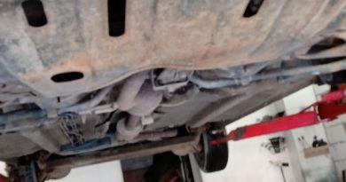 Hoți de  daună totală  la mașini