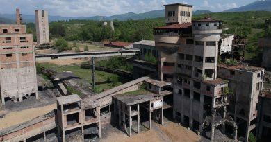 O societate din Deva evaluează clădirile minei Petrila